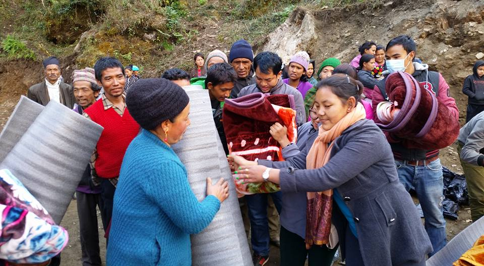 Tatopani - blankets and madresses (3)